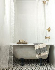 Give your bathroom an instant refresh by painting your clawfoot tub a new color!