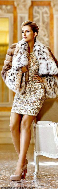 Lynx and blonde mink mink fur coats парижская мода, высокая Fashion Moda, Fur Fashion, Winter Fashion, Fashion Trends, Luxury Fashion, Glamour, Fabulous Furs, Fancy, Lynx