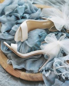 @bellabelleshoes is the perfect detail for your elegant bridal style!Design: @joyproctor | Photo: @hollyvonlanken at @jeremychouphotography workshop | Styling: @eastmadeeventco |Florist: @lori_tran | Ribbons: @froufrouchic #BellaBelleShoes