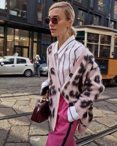Estilo de rua na Milan Fashion Week outono-inverno de 2019 - street style inspiration - Layering Outfits, Grunge Outfits, Fashion Outfits, Womens Fashion, Fashion Trends, Pink Fashion, Simple Outfits, Trendy Outfits, Style Fashion