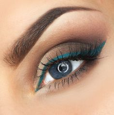 'Weeding Line' by Justyna Kolodiej using Makeup Geek's New Year's Eve pigment.