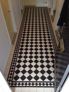Your hallway should be able to deal with numerous tasks. He too will be no exception, with plenty of choice to showcase your own personal style and cr. White Hallway, Tiled Hallway, Hallway Flooring, Small Entryways, Small Hallways, Best Flooring, Flooring Options, Victorian Hallway Tiles, Hall Tiles