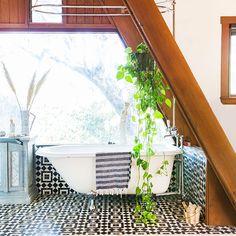 Modern Bathrooms - Design advice to help you convert a less-than-desirable bathroom into a spa-like space. - Photos