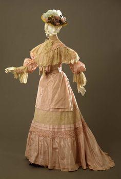 Silk Faille and Lace Tea Gown, ca. 1904-05Palazzo Pitti via Europeana Fashion