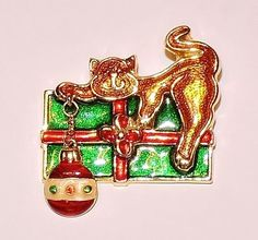2169~Vintage Goldtone Red Green Guilloch Enamel Figural Cat Present Brooch Pin**