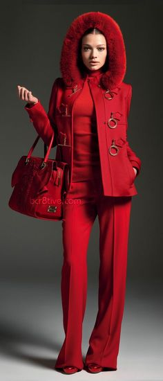 Red all over (Farbpassnummer 34) Kerstin Tomancok / Farb-, Typ-, Stil & Imageberatung