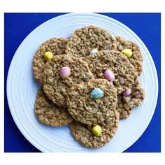 My family Oatmeal Chocolate Chip Cookie recipe is a a classic, so I used that cookie recipe as a base and just switched up the chocolate chips for Mini Eggs. Oatmeal Chocolate Chip Cookie Recipe, Oatmeal Cookies, Mini Eggs Cookies, Dog Food Recipes, Cookie Recipes, I Foods, Baking, Eat, Breakfast