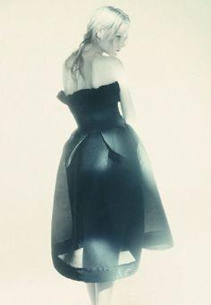 Kirsten Owen | Paolo Roversi #photography 1987 | via tumblr