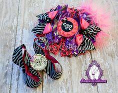 Pink zebra bow by @kassiascreations #punk #hooligan #skullz
