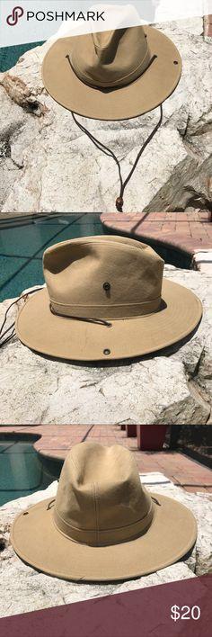 Henschel Men's Hat A classy men's hat. Perfect for summer! Pre Owned but in great shape! Henschel Accessories Hats