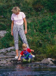 Princess Diana Fashion, Princess Diana Pictures, Prince Harry, Baby Prince, Vogue Paris, Constantine Ii Of Greece, Prinz Charles, Clarence House, Lady Diana Spencer