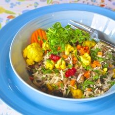 Vegan rice, lentils and vegetables. A delicious alternative to serve as main course with a salad or as a side dish.