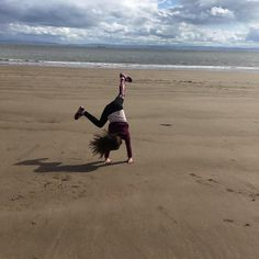Cartwheeling is currently Caitlin's favourite thing #welshparentbloggers #mummybloggers #barryisland #wales