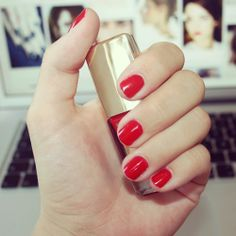 Evening in? Retweet if you want to get in the mood with a bit of red. #MyRed #Oriflame