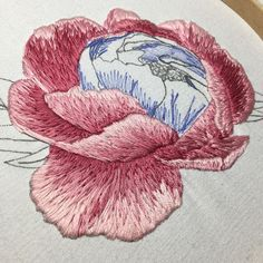 My peony is coming along nicely! I hope the petals don't get lost amongst themselves in the middle   #embroidery #handembroidery #embroideryart #embroideryinstaguild #hoopart #handmade #handcrafted #needlework #threadart #fiberart #modernembroiderymovement #modernembroidery #modernmaker #embroideryeveryday #embroideryartist #contemporaryembroidery #handstitched  #prettylittleneedlework #prettylilneedlework #broderie #dmcthread #dmcfloss #peony #peonies #floral #flowers #threadpainti...