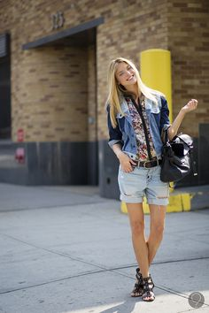 #MarthaHunt looking awesome. #offduty in NYC.