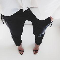 black and white minimal