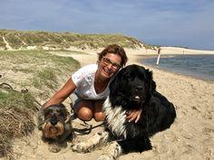 Familienfreundliches Ferienhaus mit herrlicher Aussicht Am Meer, Freundlich, Labrador Retriever, Dogs, Travel, Animals, Family Vacations, Fence, Places