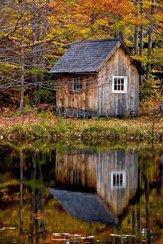 cottage garden shed - okay so if this is the shed. I do wonder how the cottage looks. Cottage Garden Sheds, Beautiful Places, Beautiful Pictures, Amazing Pics, Nature Sauvage, Water Reflections, Old Barns, Cabins In The Woods, Belle Photo