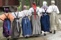 Tanhu-Visa Folk Clothing, Historical Clothing, Folk Fashion, Nordic Fashion, Folk Costume, Costumes, Viking Dress, Russian Folk, Ethnic Dress