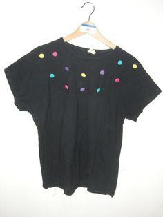 Shirt mit bunten Knöpfen