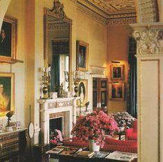 David Hicks ~ Drawing Room at Broadlands English Interior, Classic Interior, Luxury Interior, Interior Design, Belton House, English Country Decor, British Country, British Style, Classic Living Room