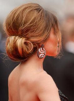 Hairstyles for Saree - Dry Bouffant Bun