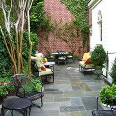 traditional patio by Notting Hill Gardens