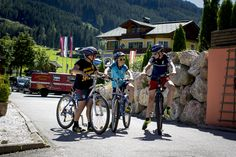 Bicycle, Vehicles, Summer Vacations, Family Activity Holidays, Bike, Bicycle Kick, Trial Bike, Bicycles, Vehicle