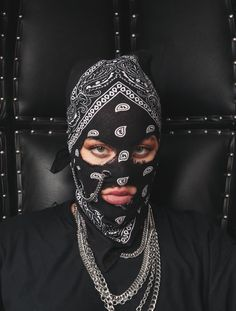 Girl Gang Aesthetic, Badass Aesthetic, Bad Girl Wallpaper, Rap Wallpaper, Flipagram Couple, Jóias Body Chains, Chola Girl, Tupac Pictures, Mode Rihanna