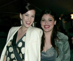 Pin for Later: Vous Ne Saviez Probablement Pas Que Ces Célébrités Ont Des Frères et Soeurs Liv et Mia Tyler