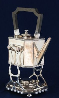 Paul Revere Teapot  Pauls father was a Huguenot who fled France due to Religious Persecution