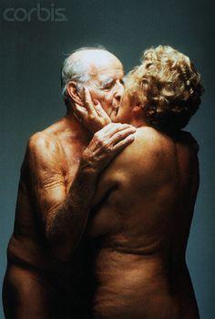 Estudo relaciona importância atribuída ao sexo à autopercepção de saúde e felicidade de idosos