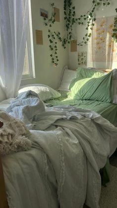 Room Design Bedroom, Room Ideas Bedroom, Bedroom Decor, Bedroom Inspo, Indie Room, Minimalist Room, Cozy Room, Aesthetic Bedroom, Dream Rooms