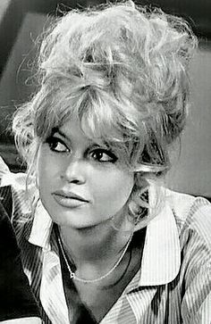 Hollywood Glamour, Hollywood Actresses, Classic Hollywood, Old Hollywood, French Beauty, Classic Beauty, Brigitte Bardot Young, Bardot Bangs, Romain Gary