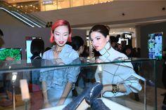 Ge Peiqi and Negin Mirsalehi enjoying the Dots of Life event in Chengdu. #todsgommino #dotsoflife