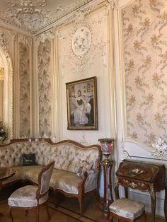 Palaces, Oversized Mirror, Furniture, Home Decor, Decoration Home, Palace, Room Decor, Home Furnishings, Home Interior Design