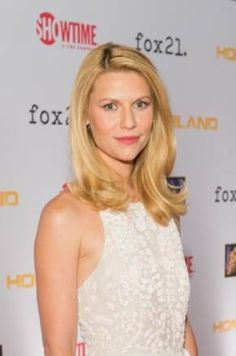 Claire Danes from Homeland has been drinking a lot more tea lately. Do you have a favorite go-to @Bigelow Tea for TV night? #bigelowtea