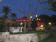 Jardin chill out du restaurant Varadero à Atlanterra, Zahara de los Atunes, Cadix - Costa de la Luz (Espagne)