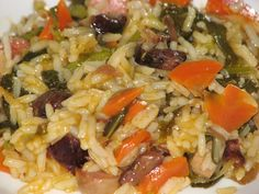 Arroz de Chouriço e Grelos... um Verdadeiro Manjar! - Receitas de Portugal Portuguese Rice, Portuguese Recipes, Cod Fish, Spanish Rice, Rice Dishes, International Recipes, Couscous, Pasta Salad, Risotto