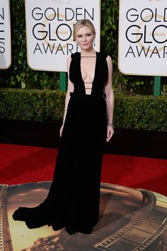 kirsten dunst at 2016 golden globes in valentino haute couture