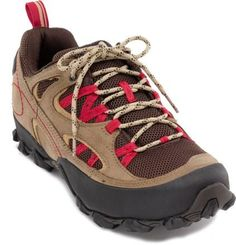 Ready for all-terrain exploration, the Patagonia Drifter A/C women's hiking shoes are light, nimble and supportive to keep in step with your adventuresome spirit. Patagonia Hiking, Best Hiking Shoes, Outdoor Fashion, Outdoor Clothing, Hiking Pants, Trail Shoes, Outdoor Outfit, Athletic Shoes, Zapatos
