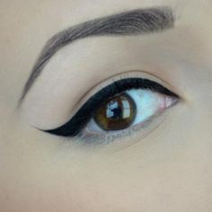 This girl makes it look way too easy...it's not easy! Perfect Winged Eye Every Time