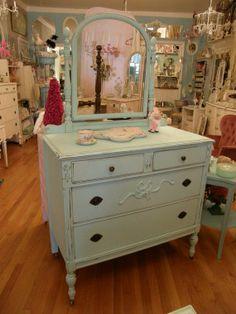 Antique Dresser- I want to redo a dresser like this.