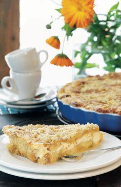 Omena-ansa on mehevä, rahkatäytteinen ja muruseospintainen omenapiirakka. Finnish Recipes, Sweet Pastries, Sweet Pie, Food Tasting, Pastry Cake, Sweet And Salty, Desert Recipes, Let Them Eat Cake, No Bake Cake
