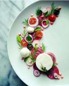 Art of plating by Organic chioggia beets tomatoes radish red onion basil dill mint vegan mozzarella cheese and beet aioli Food Design, Food Plating Techniques, Food Decoration, Culinary Arts, Creative Food, Gourmet Recipes, Food Inspiration, Tapas, Food Photography