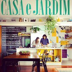 O escritório @casa14arquitetura é capa da ediçao da revista @casaejardim desse mês com um painel lindo feito com os azulejos Lurca ;-] // Shop Online www.lurca.com.br/ #azulejos #azulejosdecorados #revestimento #arquitetura #reforma #decoração #interiores #decor #casa #sala #design #cerâmica #tiles #ceramictiles #architecture #interiors #homestyle #livingroom #wall #homedecor #lurca #lurcaazulejos
