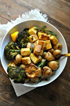 This vegan Dijon rosemary sheet pan dinner is so simple, so delicious and healthy. Tofu, baby potatoes and broccoli roasted in a Dijon rosemary vinaigrette. # Food and Drink vegetarian Vegan Dijon Rosemary Sheet Pan Dinner - Rabbit and Wolves Tofu, Tempeh, Broccoli And Potatoes, Baby Potatoes, Vegan Vegetarian, Vegetarian Recipes, Cooking Recipes, Cooking Ideas, Beef Recipes