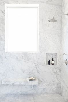 Floating Shower Bench - Design photos, ideas and inspiration. Amazing gallery of interior design and decorating ideas of Floating Shower Bench in decks/patios, bathrooms by elite interior designers. Minimal Bathroom, Modern Bathroom, Marble Bathrooms, White Bathroom, Modern Shower, Small Bathroom, Malibu Homes, Marble Showers, Boffi