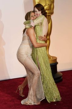 My first and most important post from The Oscars. Emma Stone & Jennifer Aniston
